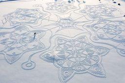 Avalanche de succès pour une oeuvre d'art géante dans la neige
