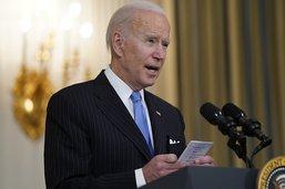 Biden promet assez de vaccins pour tous les adultes d'ici fin mai