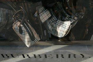 Burberry toujours plombé par la fermeture de magasins