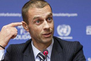 L'UEFA persiste et signe