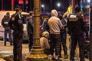 Passage à tabac d'un adolescent à Paris: neuf mineurs interpellés
