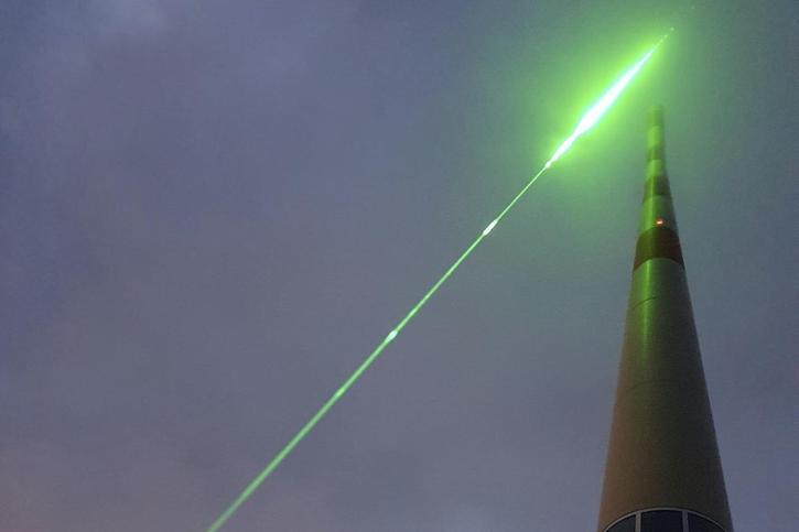 Au Säntis, le laser détourne la foudre