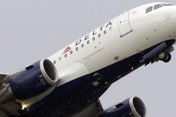 Un passager tente de s'introduire dans le cockpit d'un avion