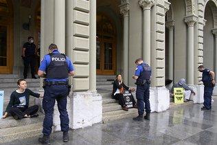 """Extinction Rebellion lance un """"dernier appel"""" au Conseil fédéral"""
