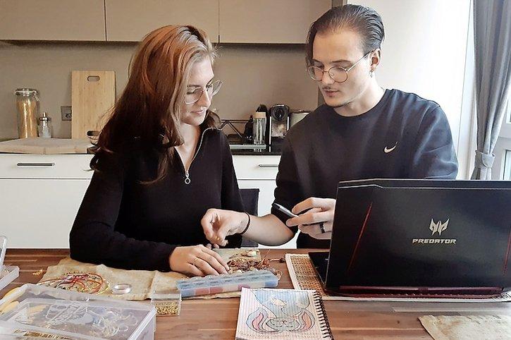 Ils fondent une entreprise pour financer un mariage