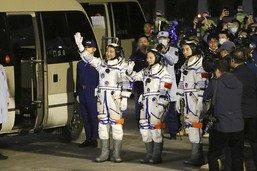 Début de la plus longue mission spatiale habitée de la Chine