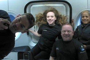 Les touristes de SpaceX ont parlé à Tom Cruise depuis l'espace
